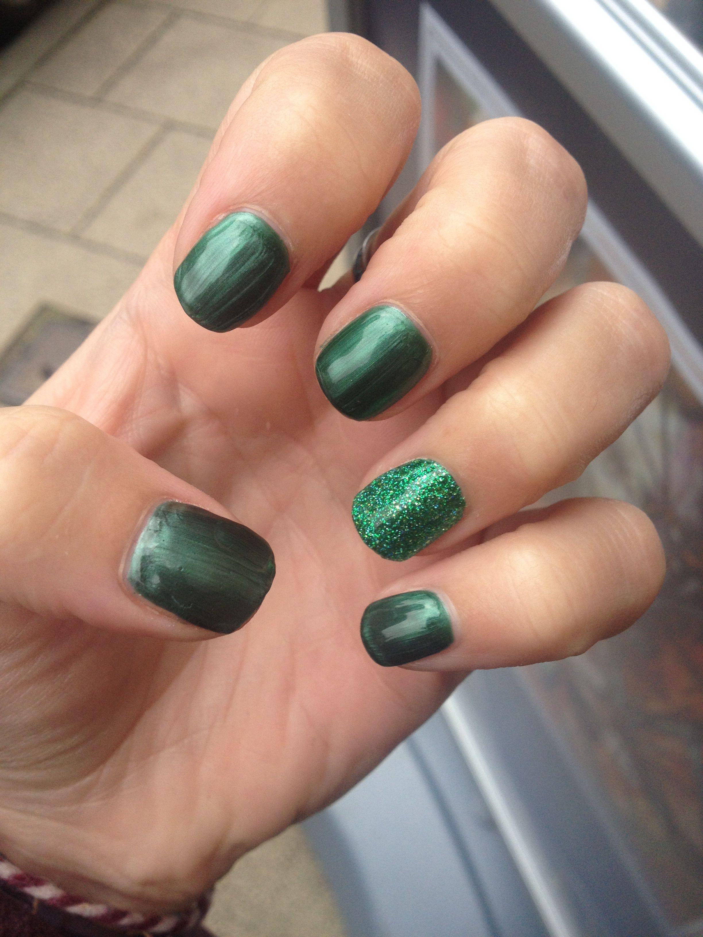 Green Glitter Gel Nails Glitter Gel Nails Red Nails Glitter Glitter Gel