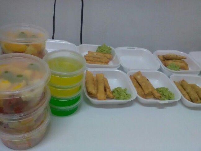 Los antojitos de mamita te ofrece ricas ensaladas gelatinas tequeños de jamon y queso y mucho mas