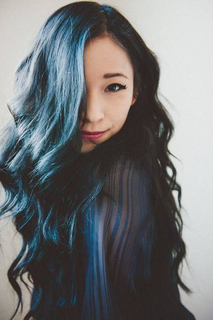 Isnt She Lovely With That Black And Blue Hair Hair Dye Ideas