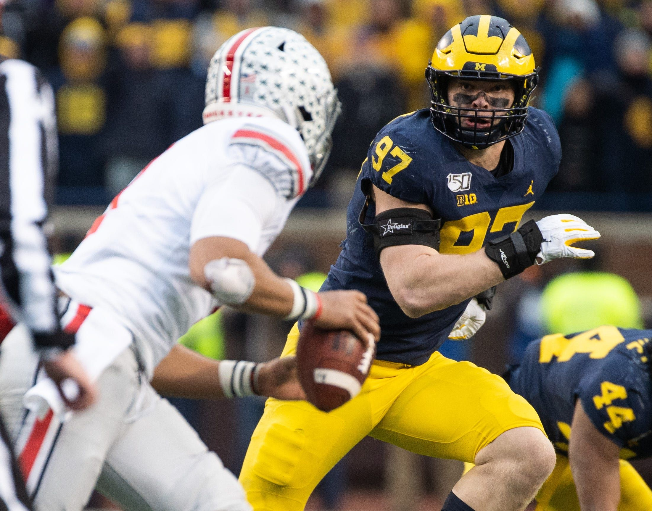 Michigan football's defensive line has Hutchinson and Paye