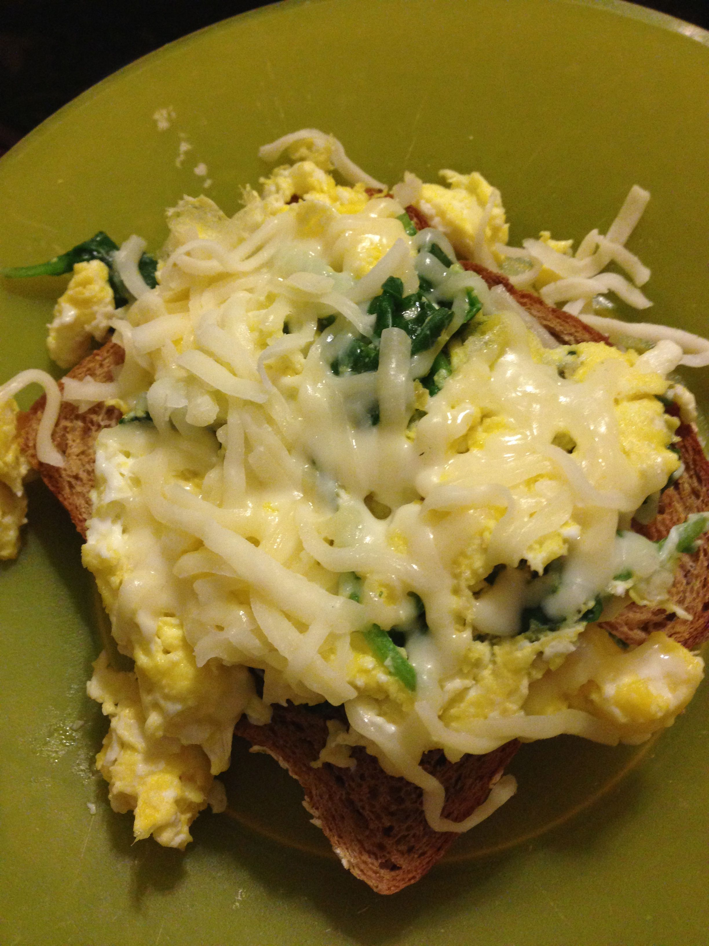 Breakfast 21 Day Fix Idea Whole Wheat Toast 1 Yellow 2 Scrambled Eggs Red Spinach Green Light Mozzarella Blue