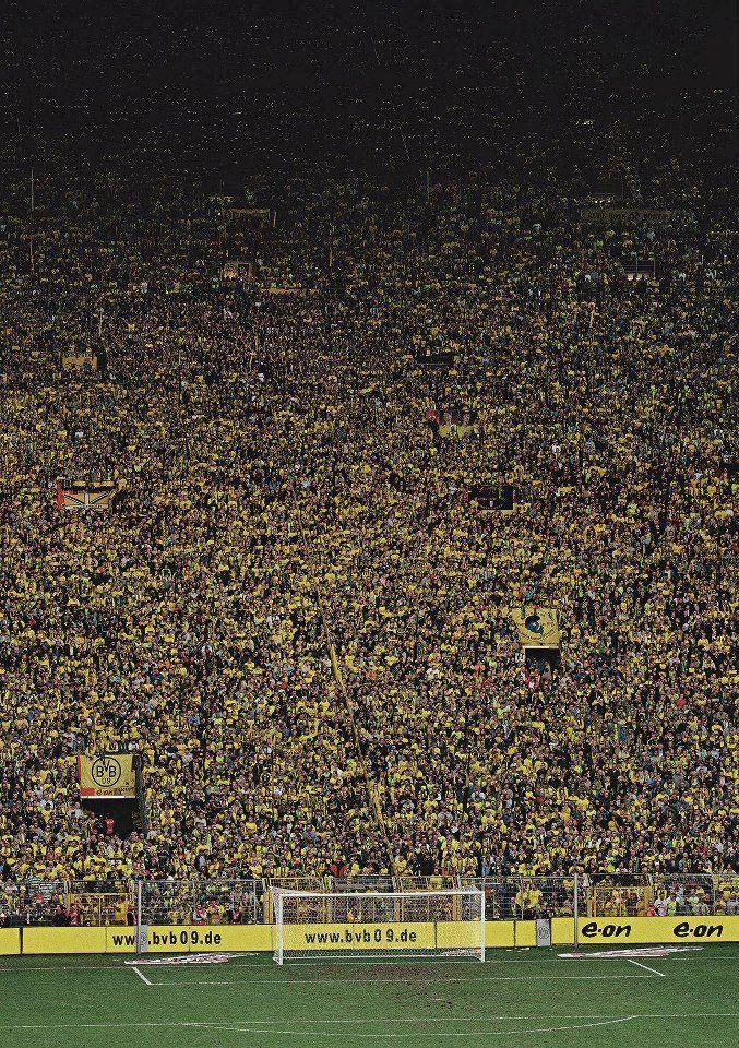 Andreas Gursky Dortmund 2009a Andreas Gursky Dortmund Soccer
