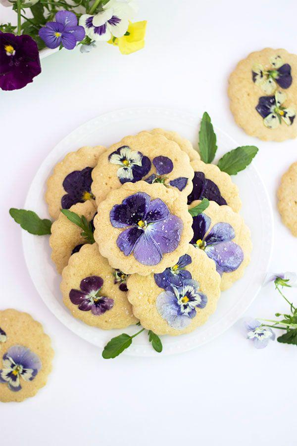 Pansies Sugar Cookies - refined sugar-free sugar cookies baked with real flowers! #sugarcookies