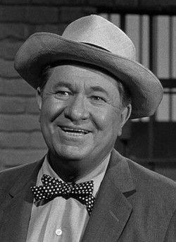 Stuart Erwin, 1903 - 1967. 64; actor.