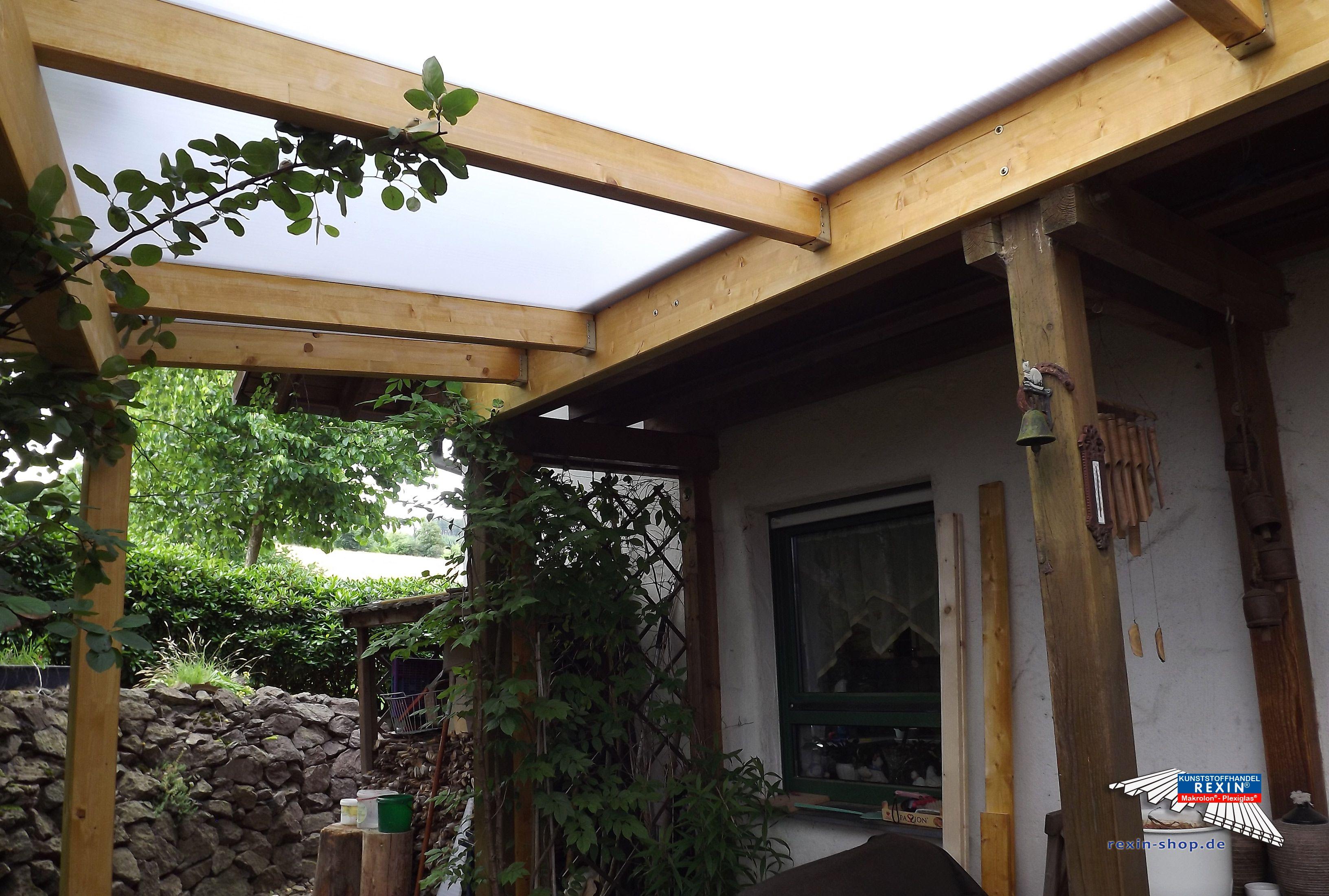 Ein Holz Terrassendach der Marke REXO plete 5m x 2 5m mit