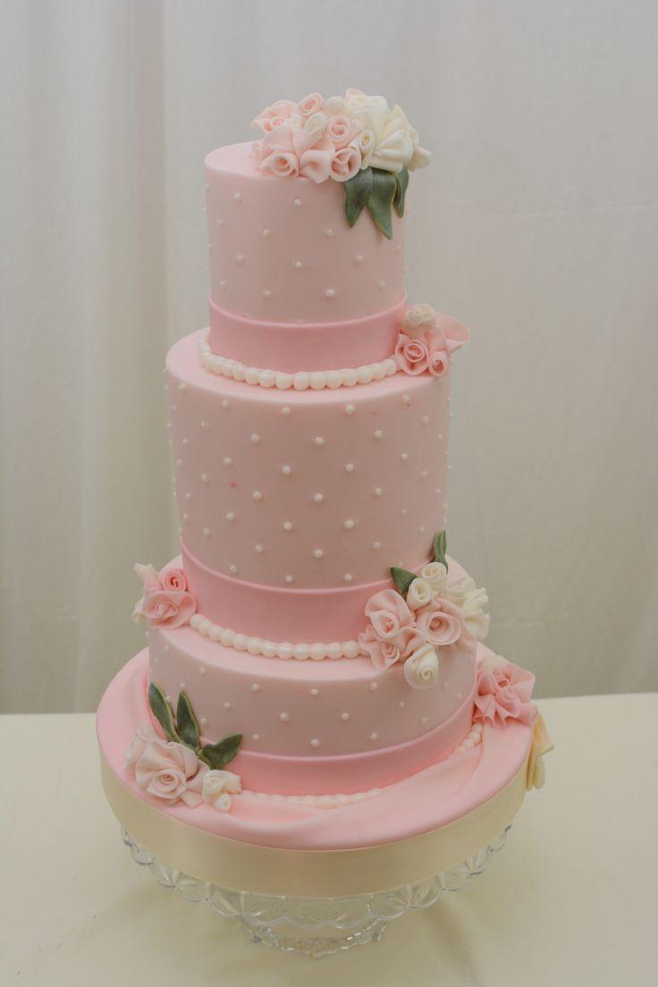 wedding cakes with buttercream scallops   Wedding Cakes