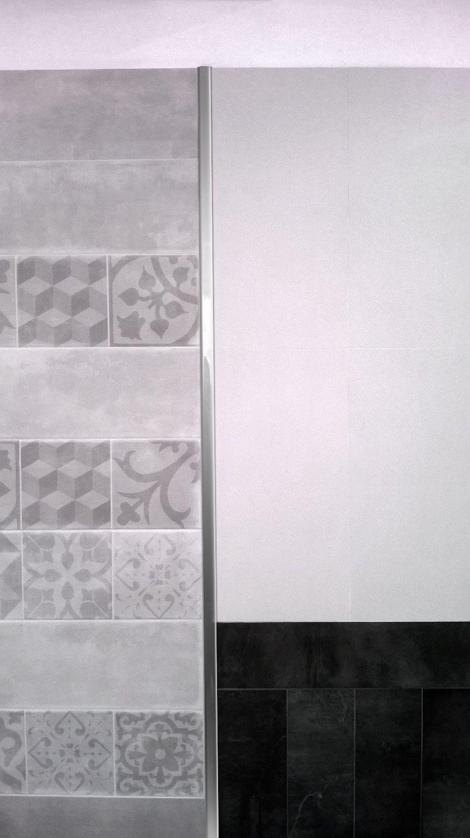 Baño con detalles de diseño y terminaciones en la columna y borde de ...