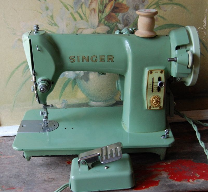 40 Seafoam Green 40K Model Portable Singer Sewing Machine Magnificent Singer Green Sewing Machine