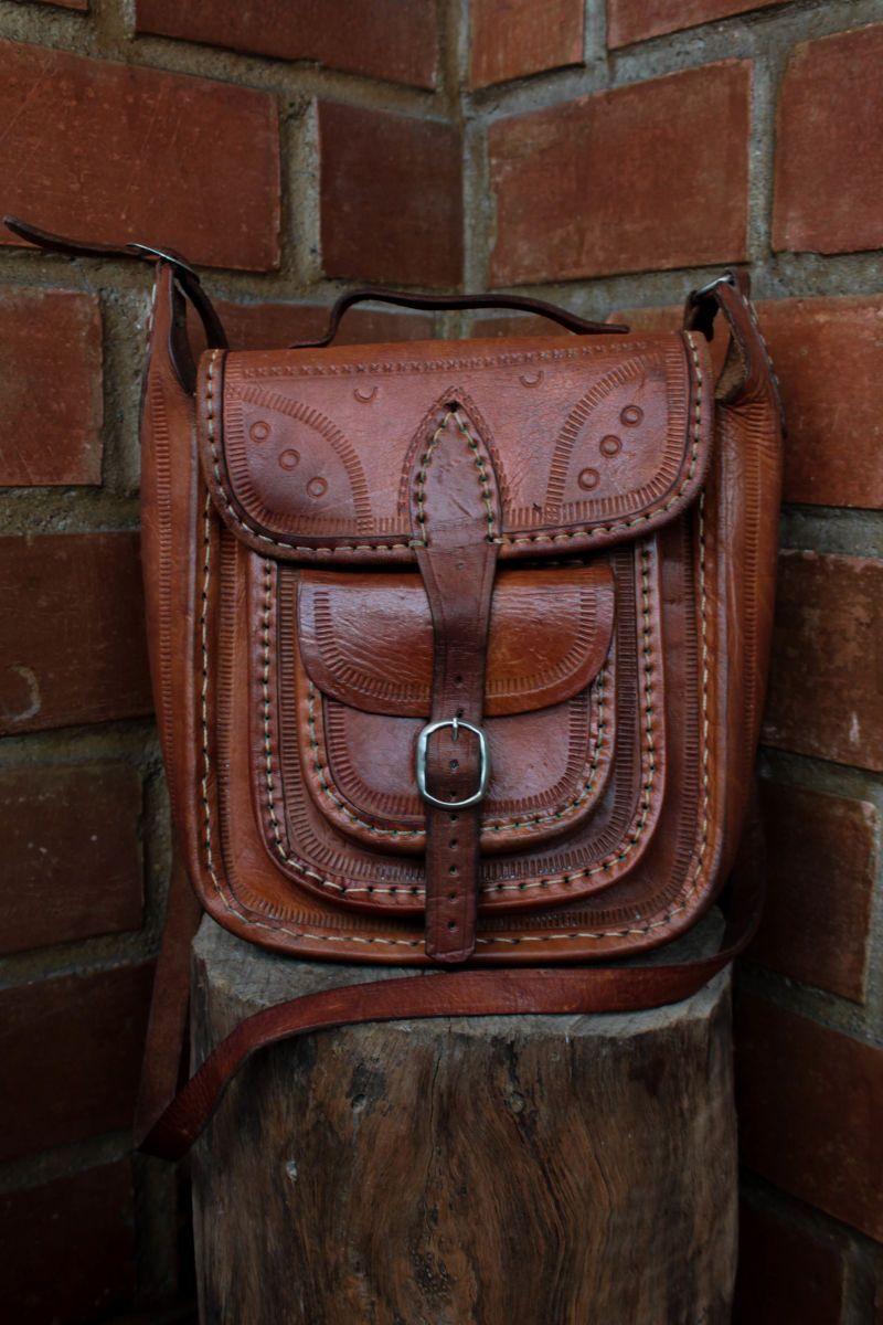 df70f8f8f cangaceiro moderno - bolsas sem marca Bolsa Hippie, Bolsas Masculinas Couro,  Roupas Alternativas,