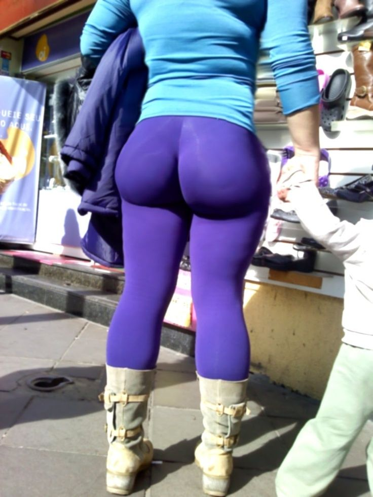 leggings Girls asses in with big spandex