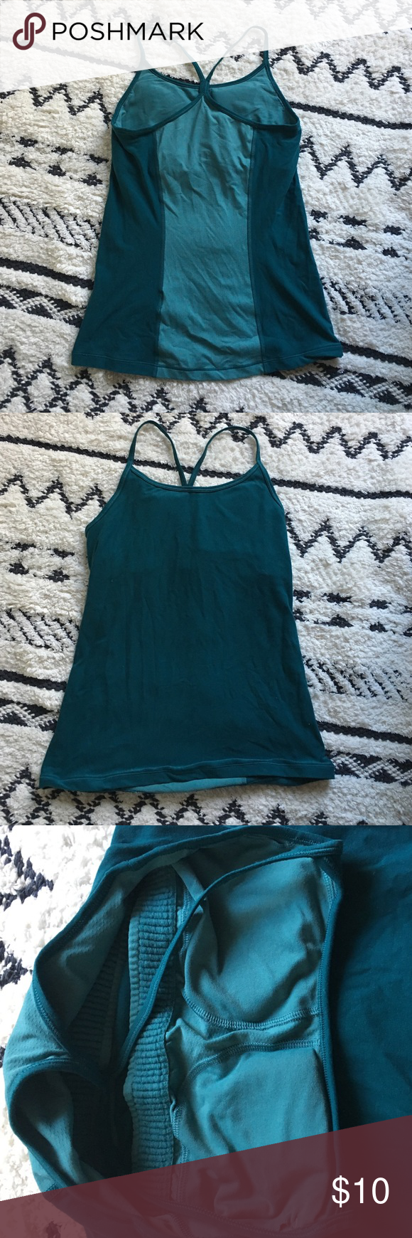 Nike 2-Tone Workout Tank Super cute workout top. Has a different color stripe down the back. Has a built in bra as well! Worn once. Nike Tops