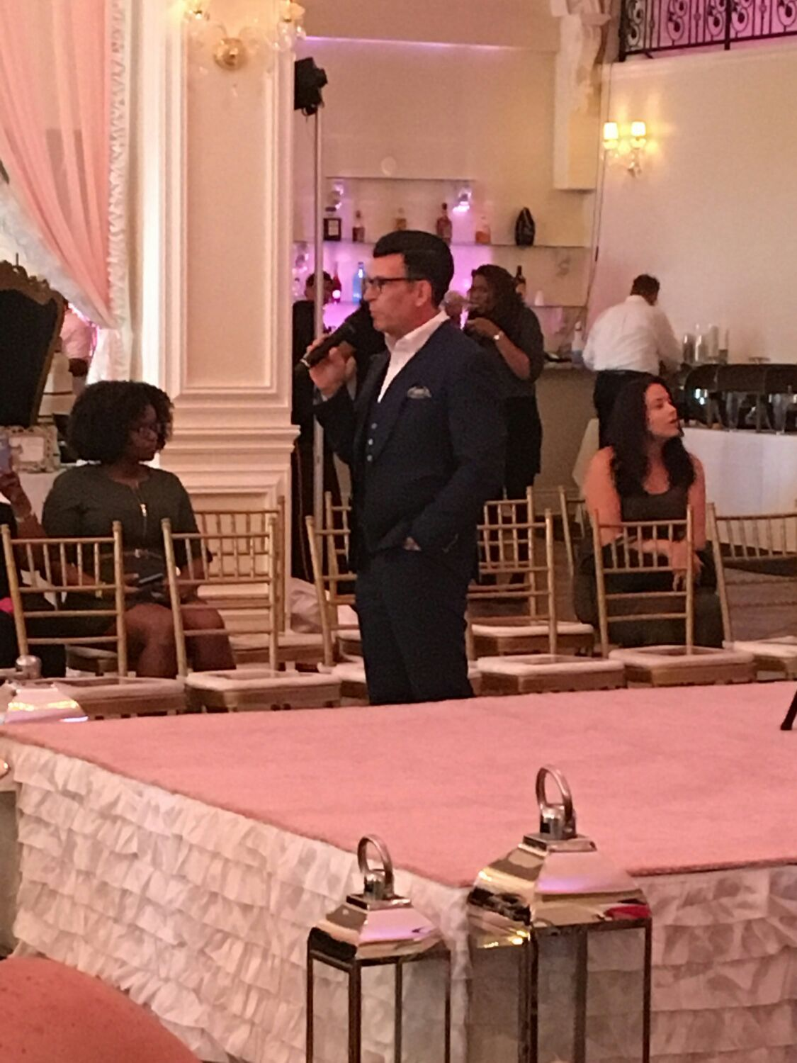 David Tutera At His Very Own Wedding Show Held In New Orleans And Audubon Limousine