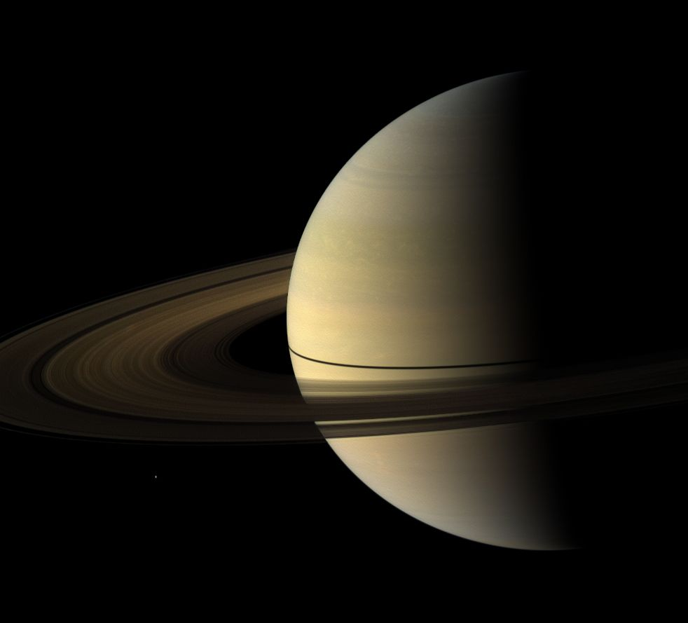 Saturno visto dalla sonda Cassini.    Credit: NASA/JPL/Carolyn Porco