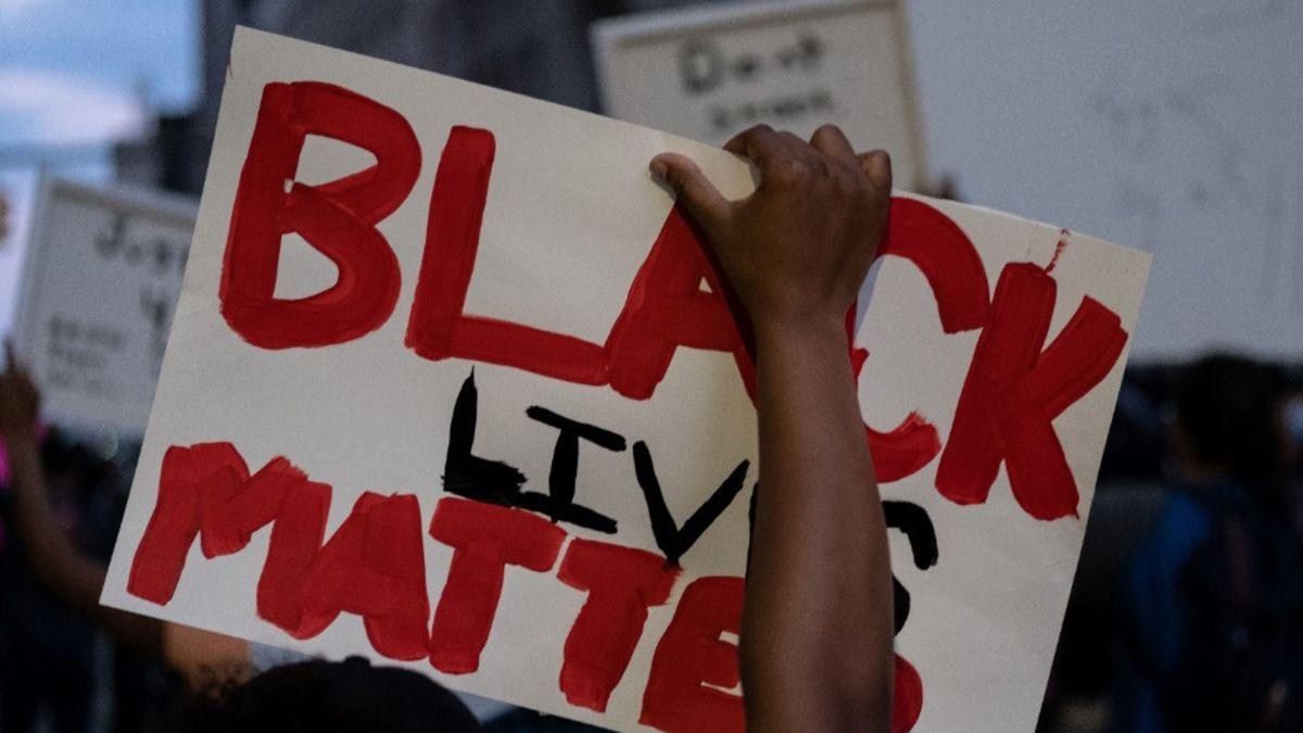 Last Month A Number Of Black Lives Matter Demonstrators Smashed Windows And Splashed Red Paint All Black Lives Matter Black Lives Matter Movement Black Lives