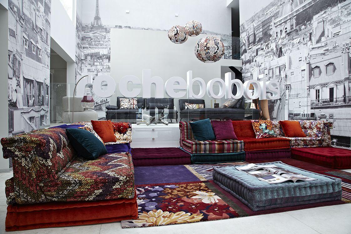 Roche Bobois in Lima, Peru #rochebobois #sala #salagrande #salamoderna #mueblesmodernos #moderno #ideassalagrande #ideascasa  #mobiliario #contemporaneo