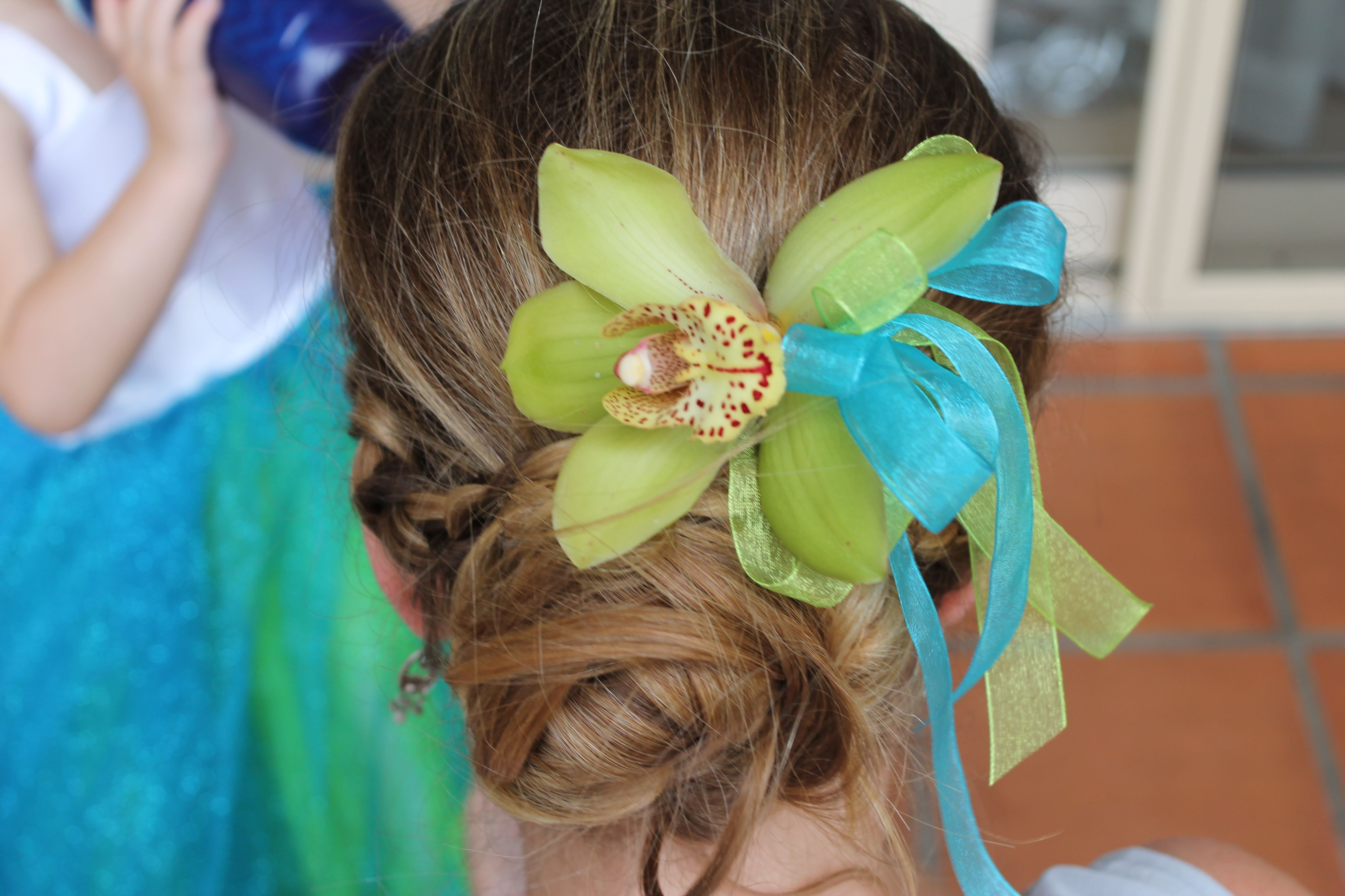 Cute hair piece