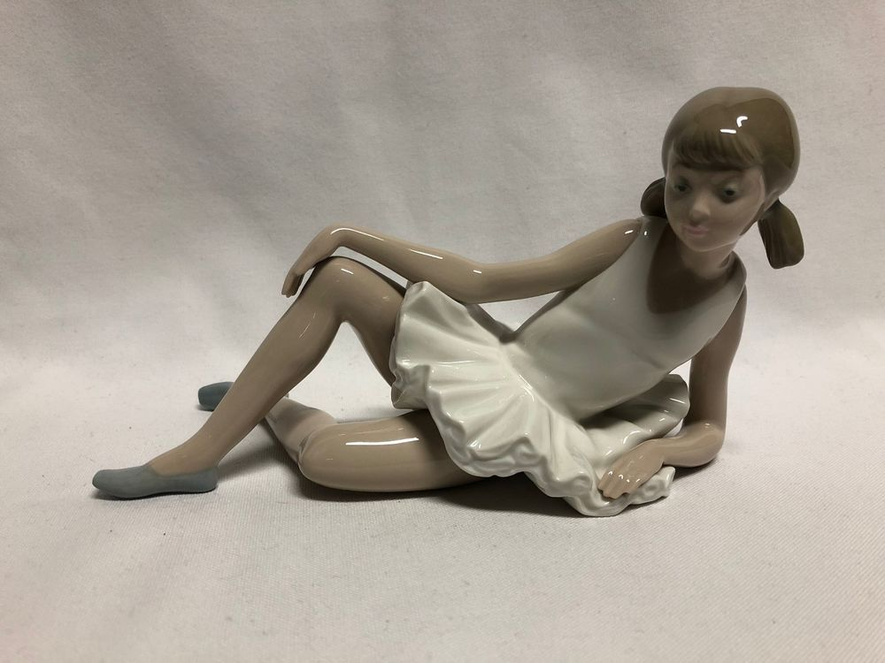 Details about Rare Lladro #0150 Young Ballerina Figurine
