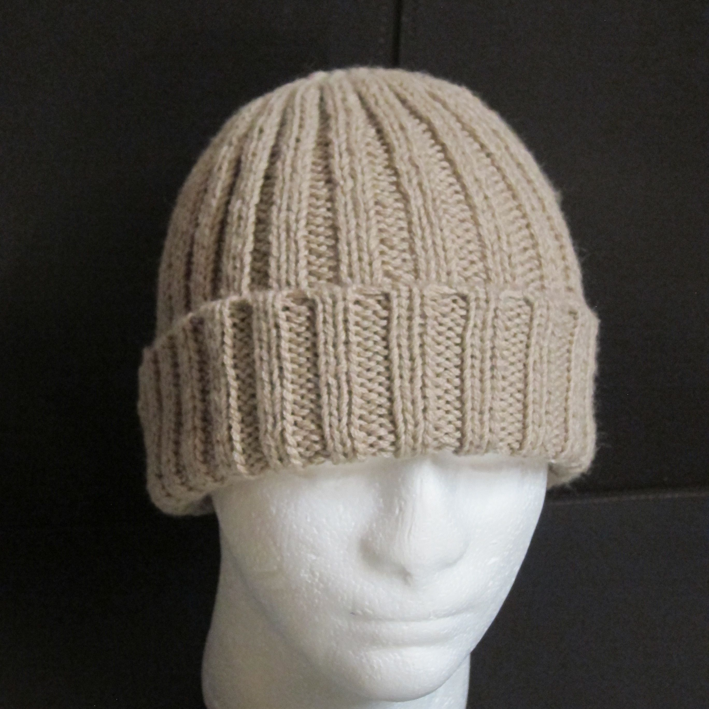 Simple Ribbed Beanie - Knitted http://www.ravelry.com ...