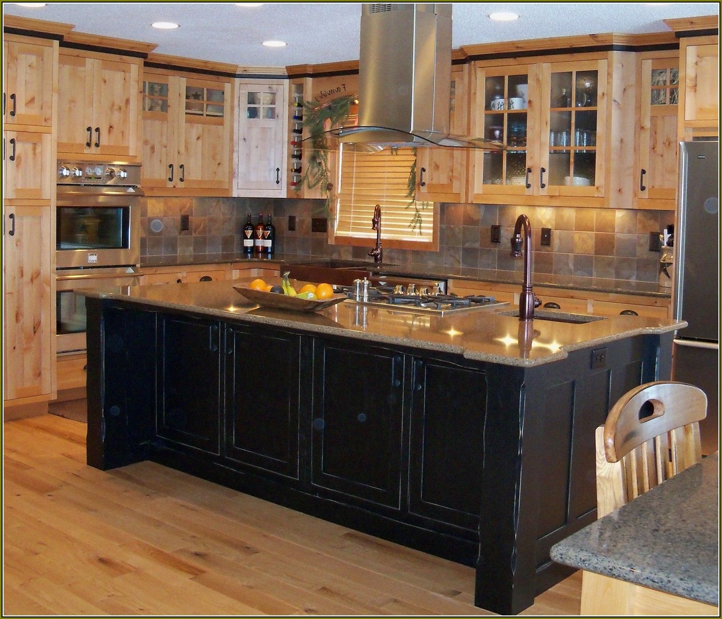 Black Paint For Kitchen Cabinets: How Paint Distressed Black Kitchen Cabinets Stylish With