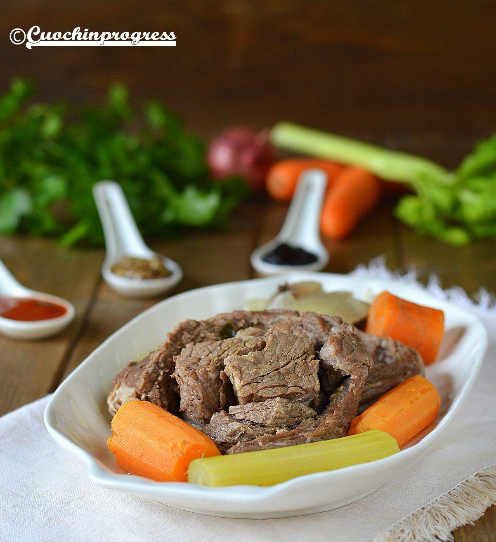 Bollito. Ricetta tradizionale Piemontese facile e gustosa