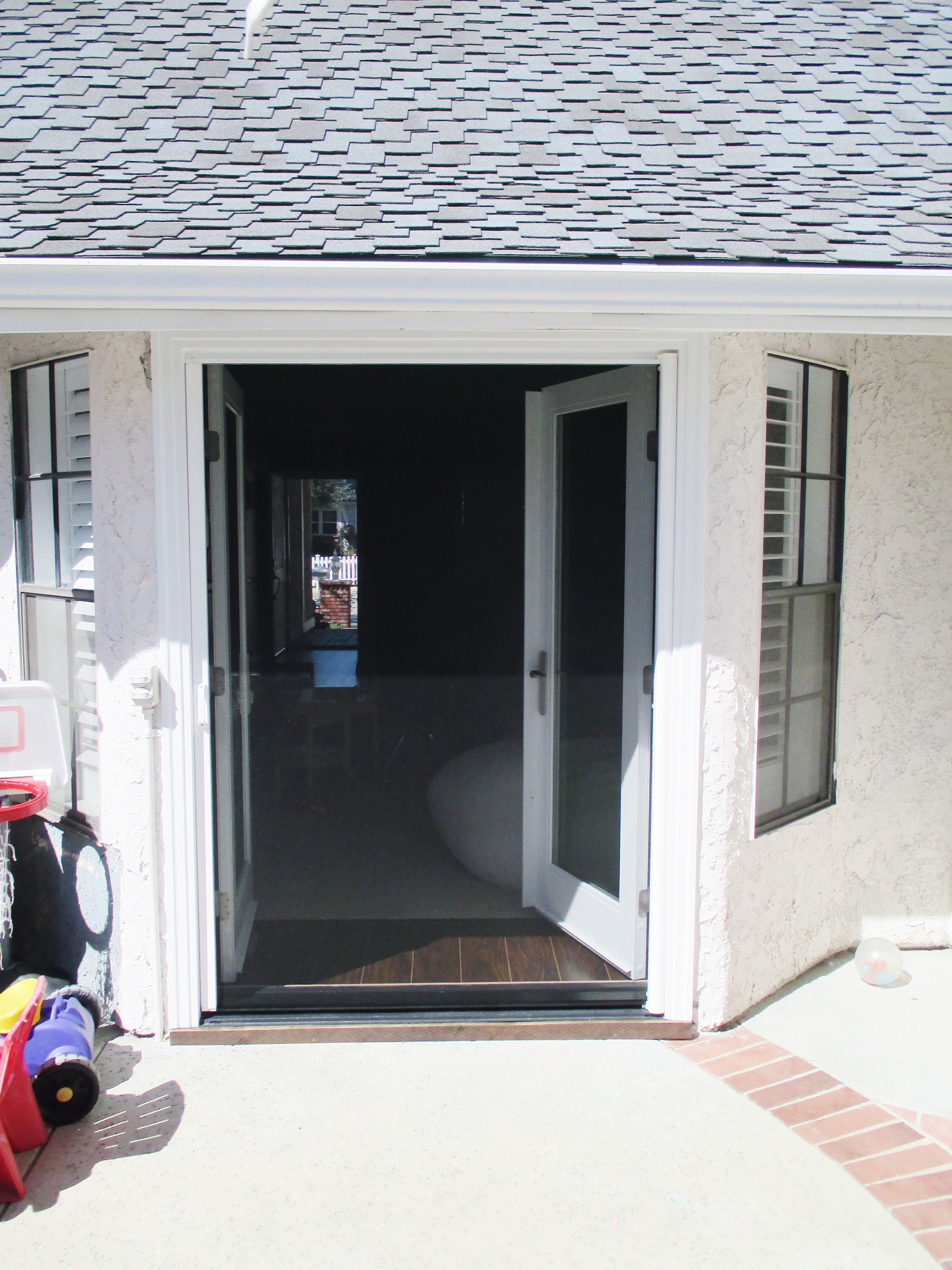 Check Out This White Framed Single Stowaway Retractable Screen With