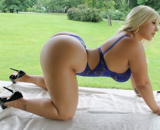 Bubble butt white women