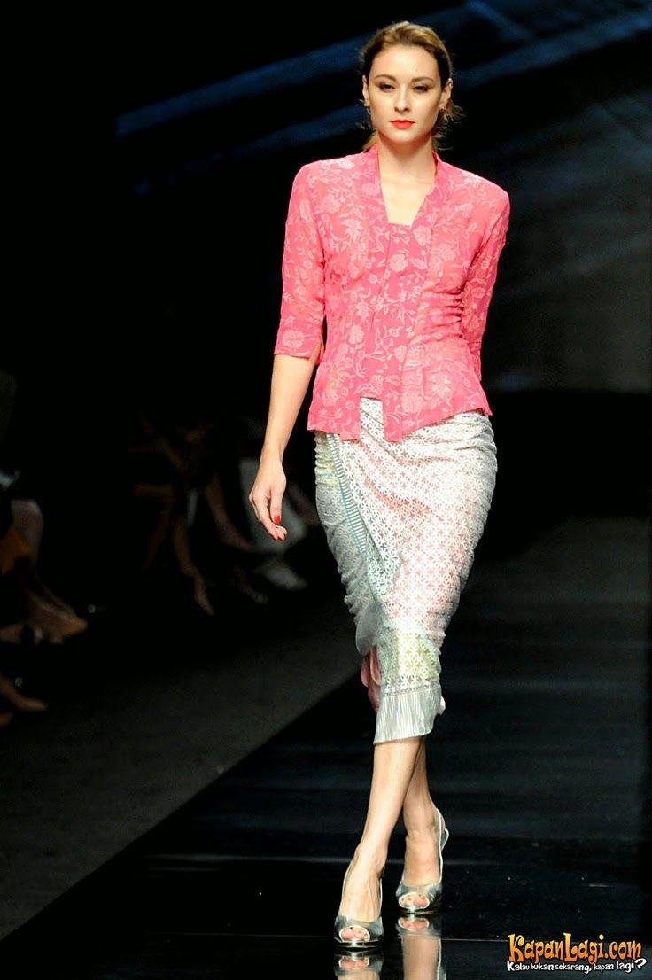 Kebaya Modern Simple Elegan Yun Di 2019 Kebaya Gaun Kebaya