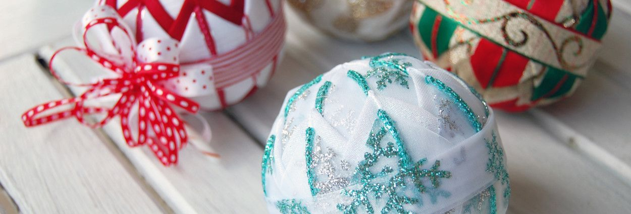 25 awesome ideas for filling and decorating clear glass ornament ... : quilted ornaments to make - Adamdwight.com