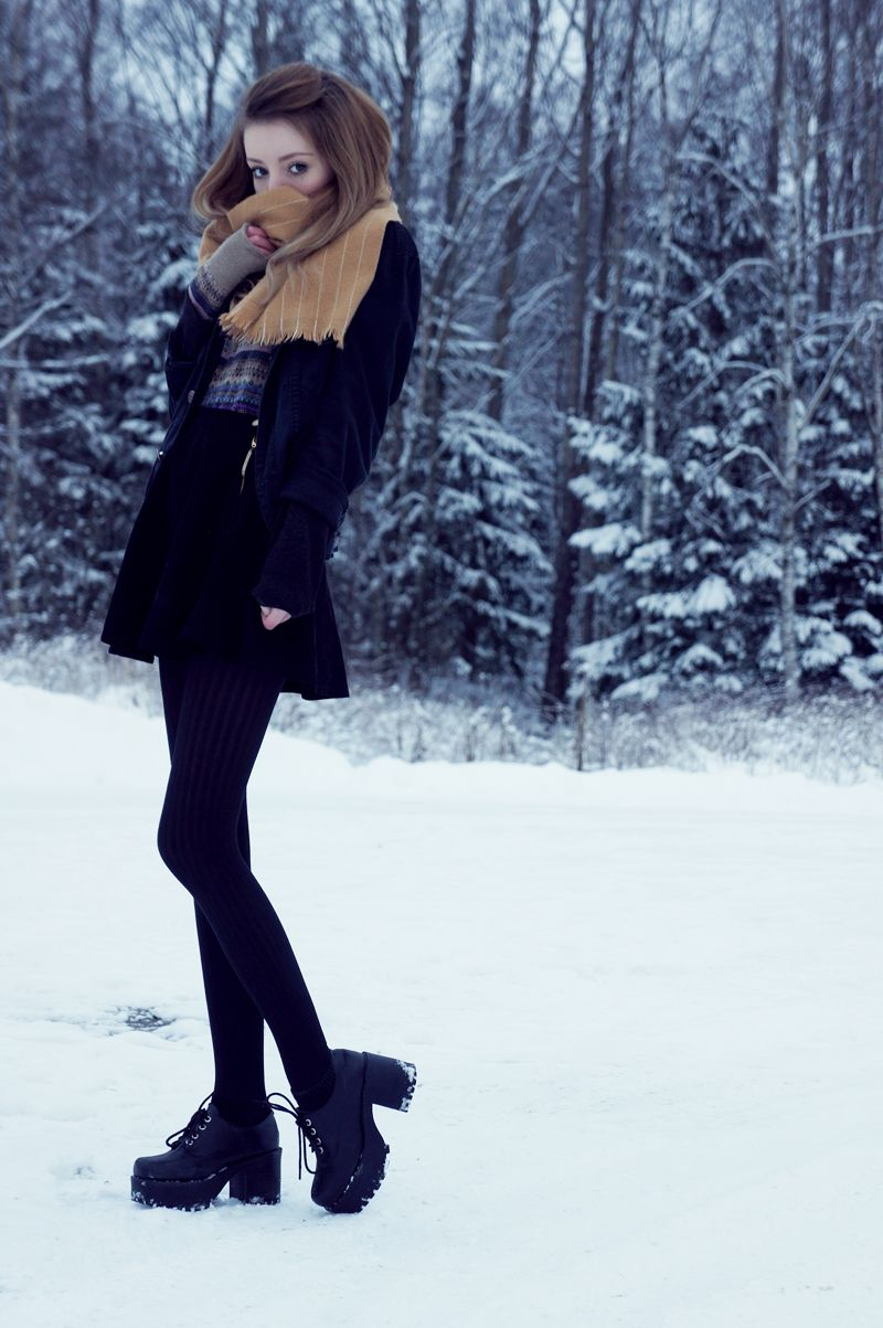Jacket: Weekday // Sweater: Romwe // Skirt: American Apparel // Shoes: Milanoo // Scarf: