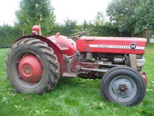 Auction Lot 2479 (1966 MASSEY FERGUSON 135 diesel TRACTOR Reg. No. MWP 840D Se..) Image 1