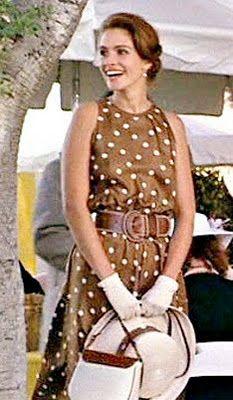 4b4f43552 Nos encanta este vestido elegante de Julia Roberts en Pretty Woman. Es un  look muy trovada  elegante