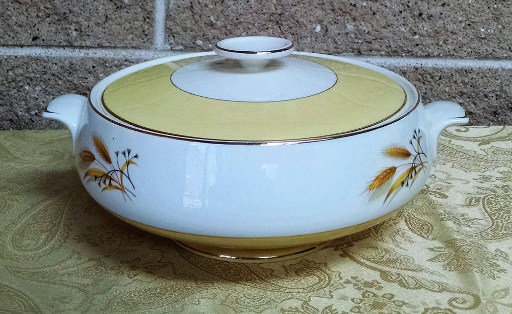Autumn Gold Wheat Covered Vegetable Dish Homer Laughlin