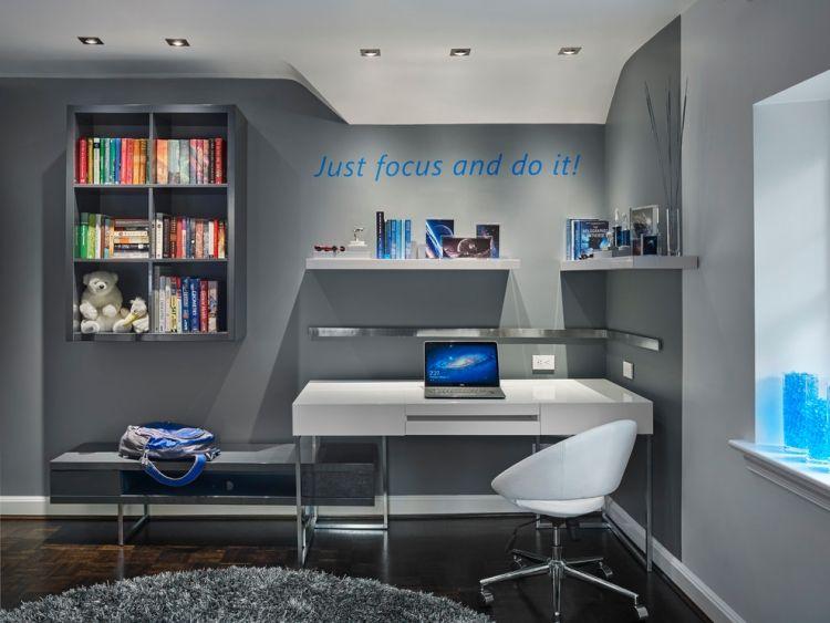 Jugendzimmer gestalten wanddeko junge graue wandfarbe wandtattoo spruch motivation for Wandfarbe jugendzimmer junge