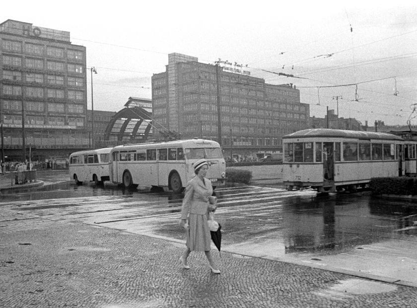 Berlin Alexanderplatz 1957 V Like Vintage Berlin Geschichte Berlin Hauptstadt Der Ddr