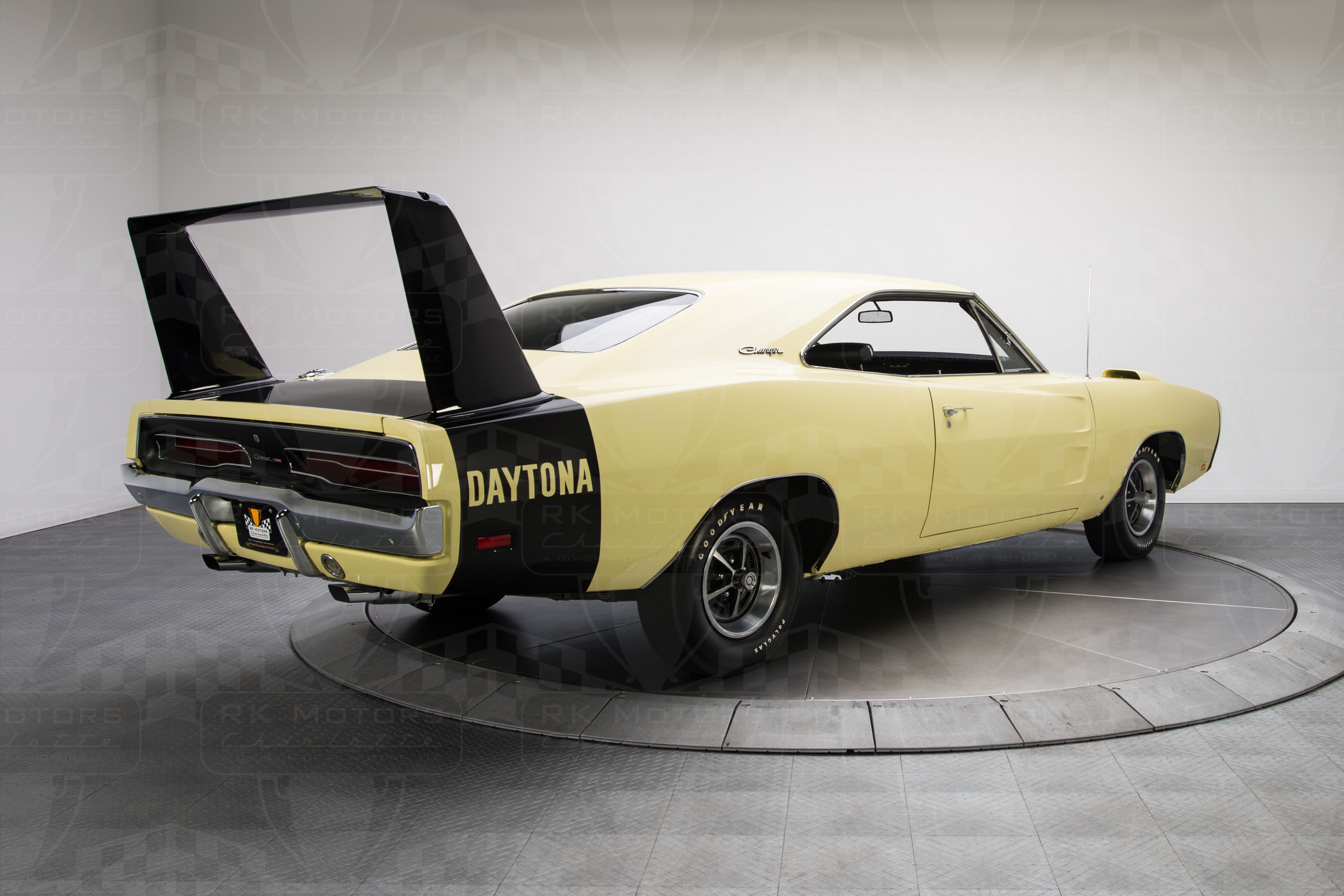 1969 dodge charger daytona yellow for sale dodge challenger pix pinterest 1969 dodge charger daytona dodge charger daytona and 1969 dodge charger