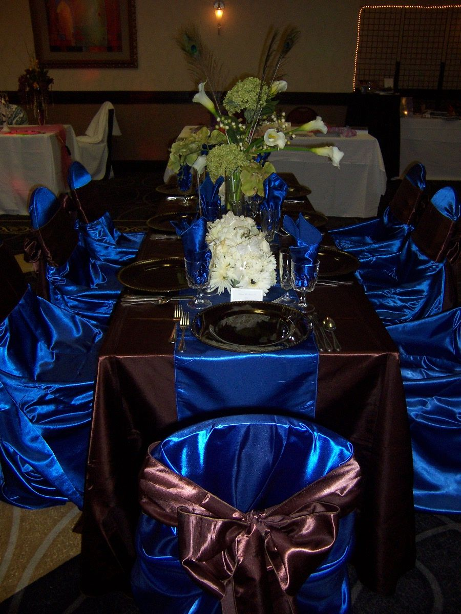 Hunting themed wedding with tel blue decorations