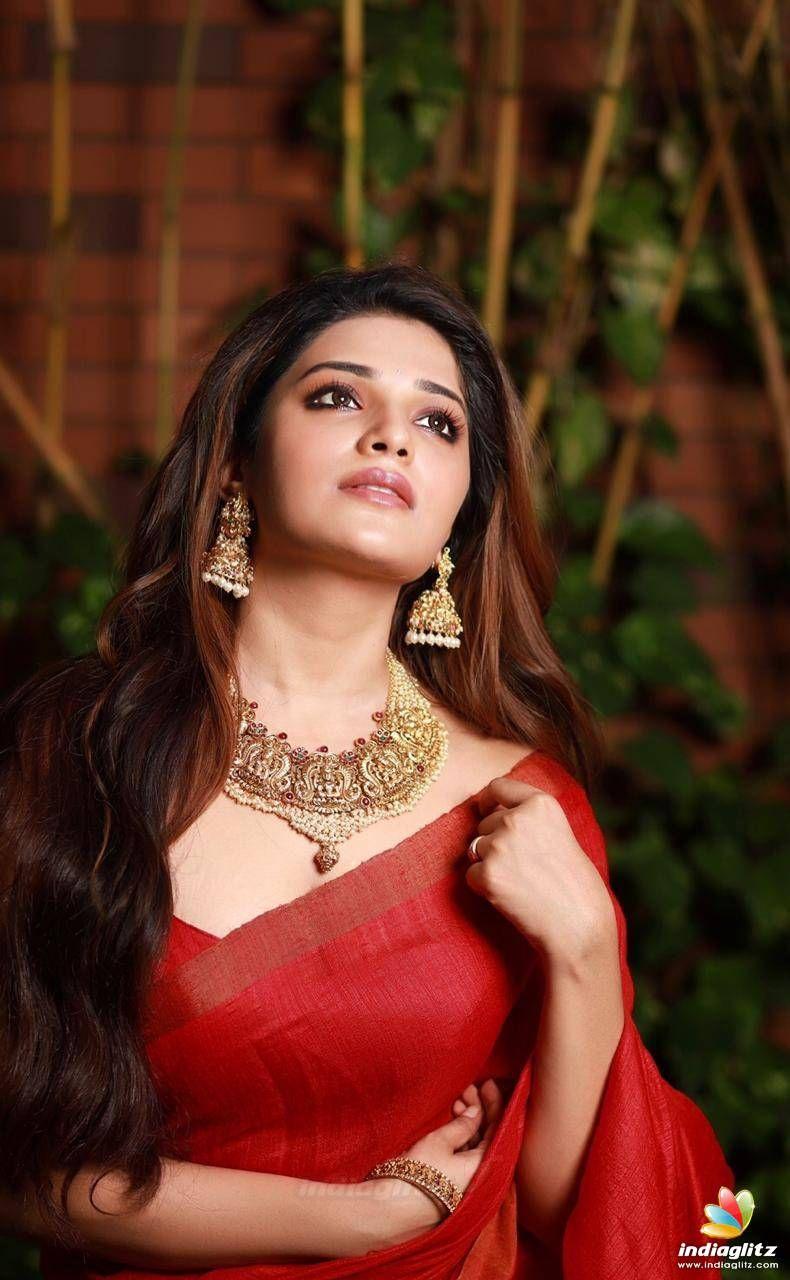 Aathmika Beautiful indian actress, Hollywood actress