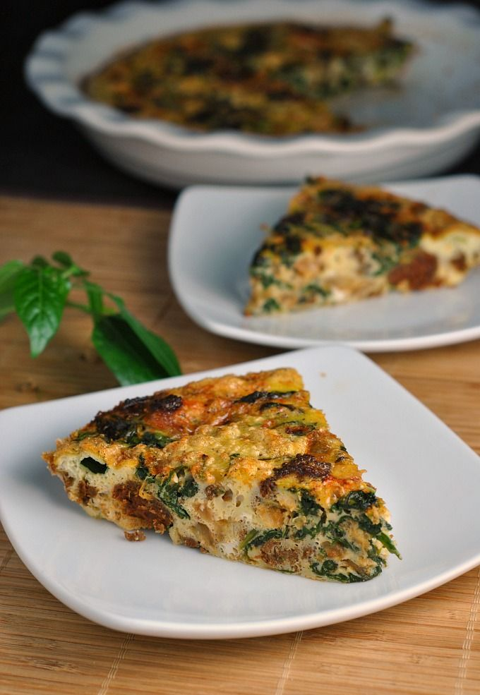 Crustless Quiche with Spinach, Onion, and Chorizo {Whole30} #whole30 #lowcarb #paleo