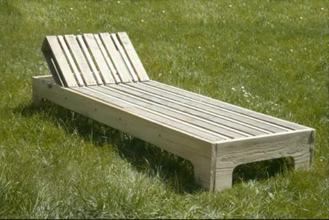 Chaise longue palettes chaises longues en palettes Chaise en bois de palette