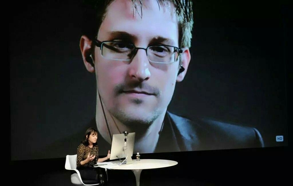 THE TRUTH IS OUT THERE Edward Snowden has a depressing theory about aliens