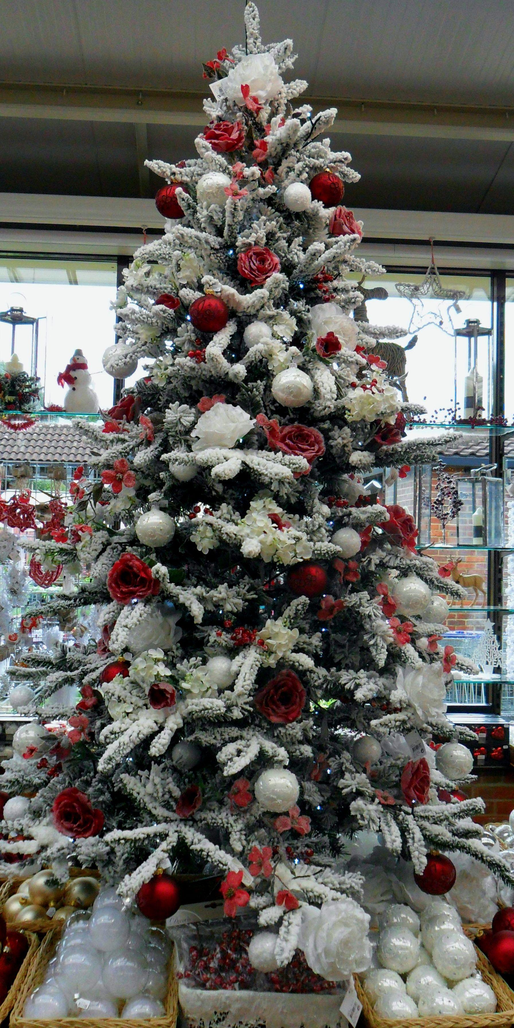 Pin By B B S G M M On O Christmas Tree O Christmas Tree White Christmas Trees Christmas Tree Themes Christmas Tree