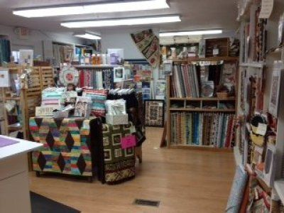 Iowa S Best Quilt Shop Quilter S Cupboard Located In Ankeny Just North Of Des Moines Quilt Shop Displays Quilt Stores Quilt Shop