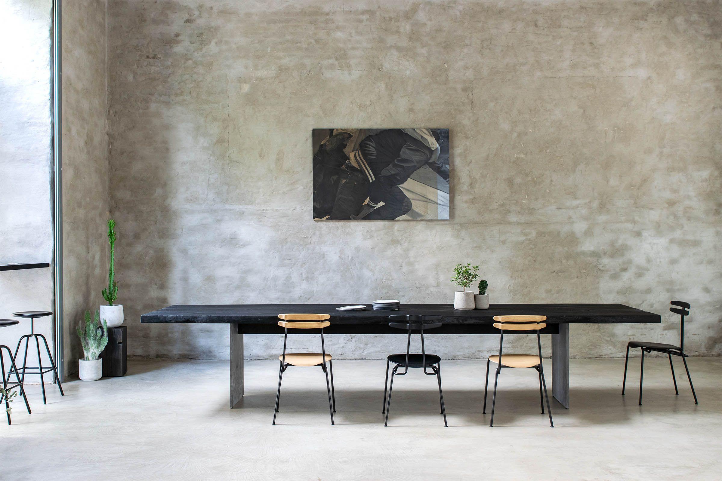 Esstisch Schwarz Geflammt Yakisugi Tisch Mit Beton Füssen Schlafzimmer Design Zimmergestaltung Innenarchitektur