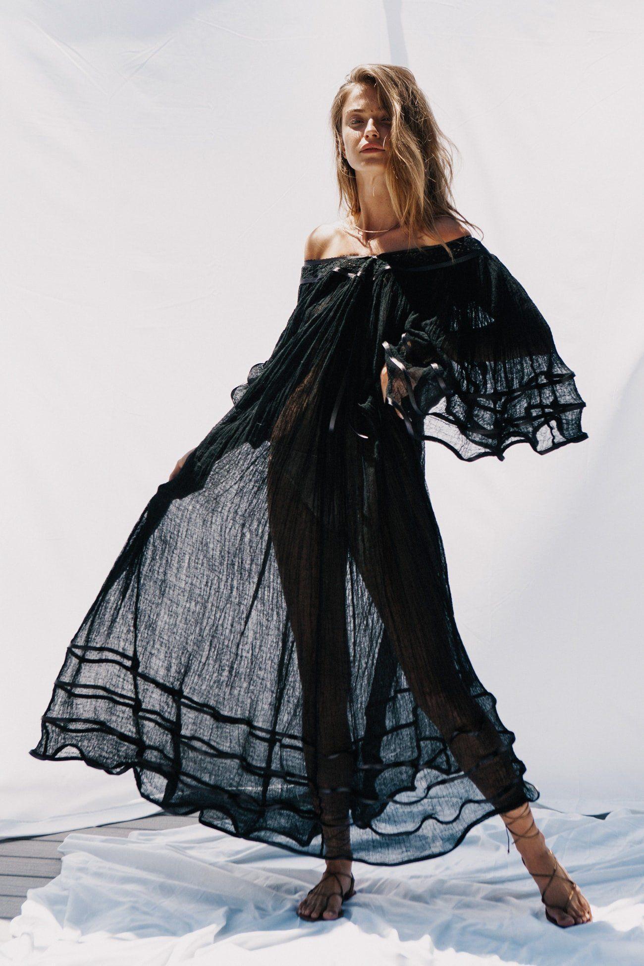 Stevie Nicks Maxi Dress In 2021 Stevie Nicks Style Maxi Dress Stevie Nicks [ 1950 x 1300 Pixel ]