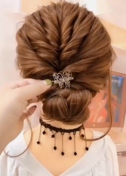 5 Hair Tutorial Videos How To Style Hair Videos Dorawang Blog In 2020 Hair Styles Hair Up Styles Easy Hairstyles For Long Hair