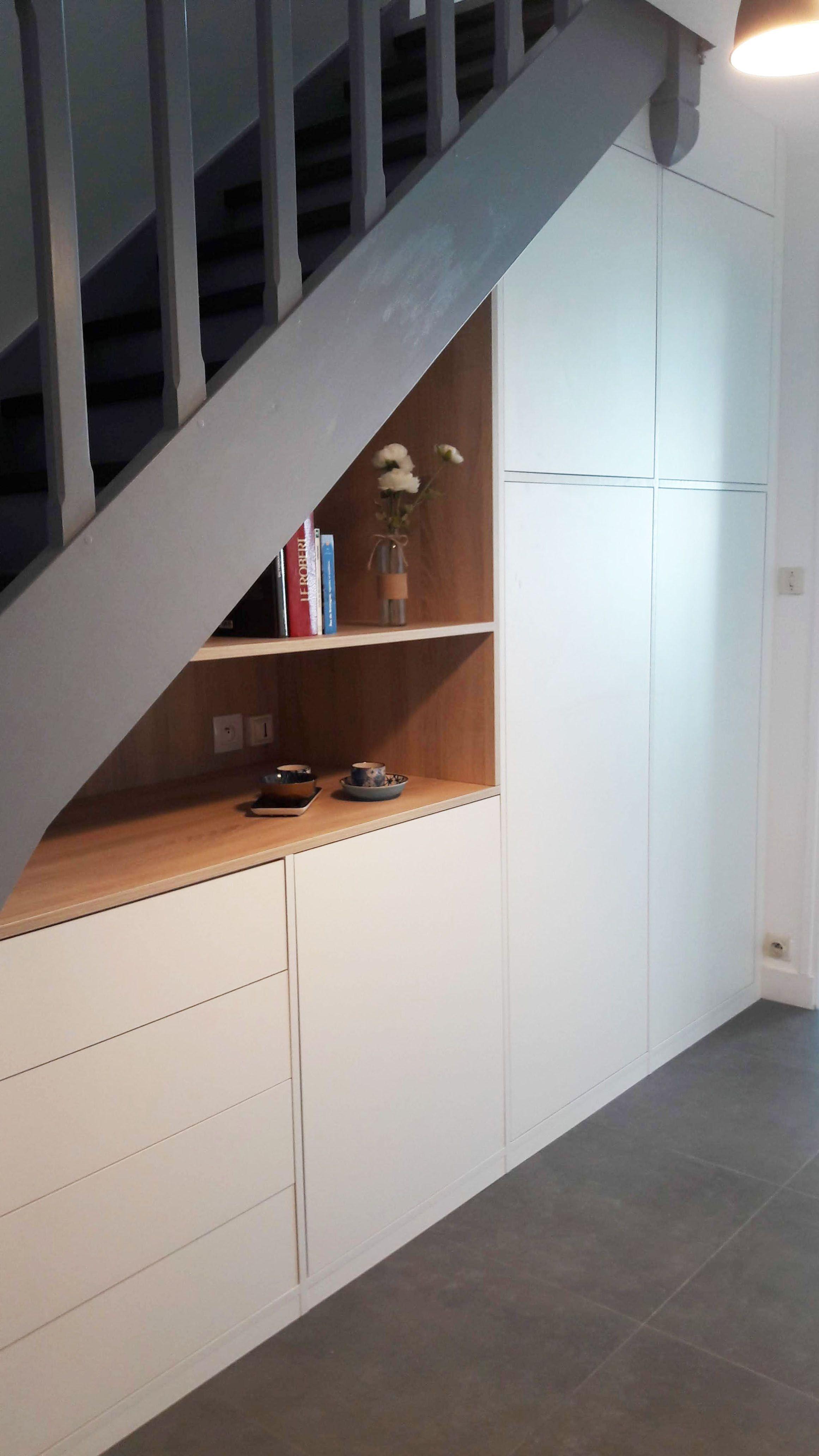 meuble sous l'escalier (photo 22) fait sur mesure par un