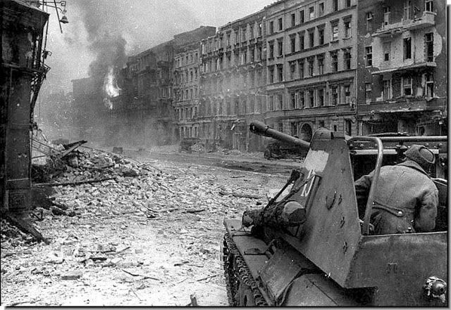 berlin 1945 stra e nicht bekannt berlin 1945 1950 nach dem 2 weltkrieg after the 2nd. Black Bedroom Furniture Sets. Home Design Ideas