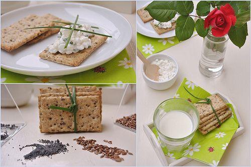 -Wholegrain Flax Seeds Crackers-