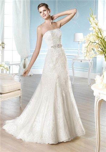 Strapless lace mermaid wedding gown // Haimm from St. Patrick