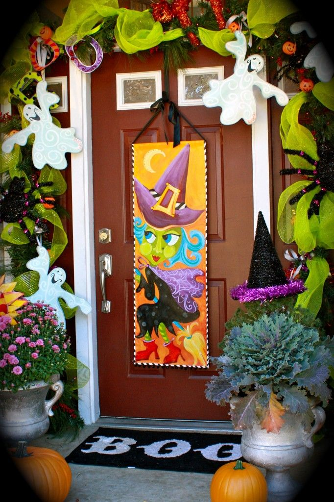 Halloween front porch decorations from lisa frost studio for Pinterest halloween outdoor decorations